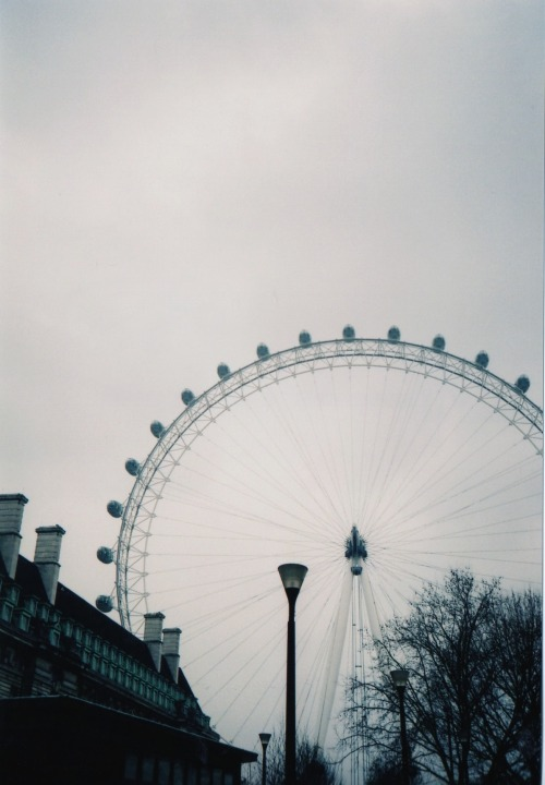 off-licence:  London eye