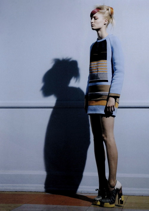 moldavia:  Melissa Tammerijn in AnOther Magazine F/W 2010 by Pierre Debusschere
