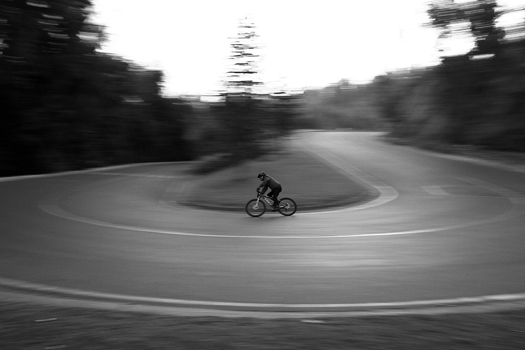 downhill (by Andrés Otárola)