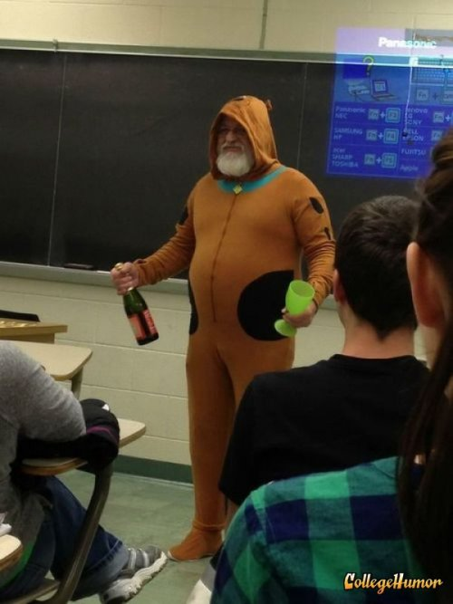 Guy Shows Up to Classroom in Scooby-Doo Onesie and Champaign Dad just keepin' it real on career day
