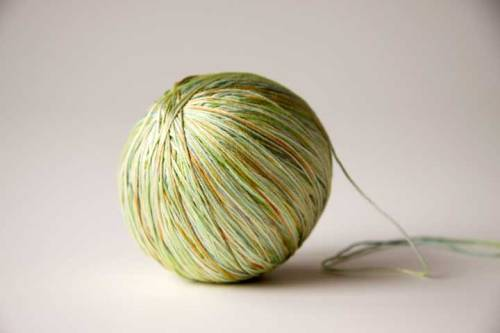 everydaypeacocks:  This gorgeous silk yarn just feels like spring knitting! (via tricksy knitter)
