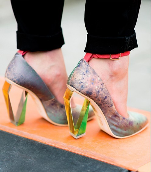 what-do-i-wear:  Look to the future with a pair of lucite shoes. (image: Le 21eme)