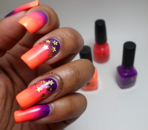 nailacollegedropout:    Neon Gradient + Stars    oh man this looks like a sunset. It's gorgeous.