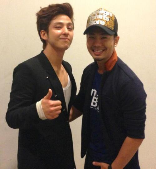 [1561] 130331 Kibum with Thai Actorcr: @JMix609