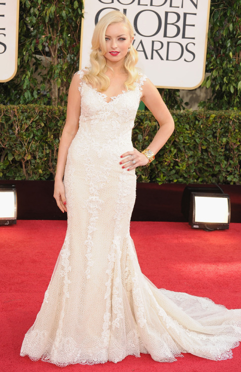 paperomance:  Golden Globe Awards, 2013. Francesca Eastwood at the 70th Annual Golden Globes, wearing Giorgio Armani.