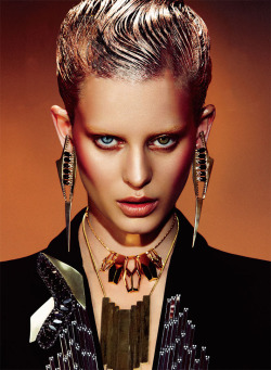 Ellinore Erichsen by Takahiro Ogawa for Elle Mexico Ellinore has my vote as the most outstanding newcomer to the international scene. Her timeless strong features and dramatic presence are apparent in every shoot. Blue and Hazel eyes too!