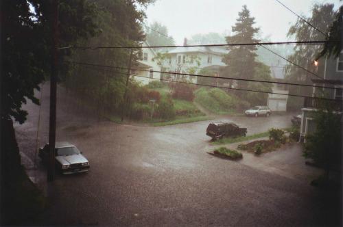 luvyourselfsomeesteem:  I love rain
