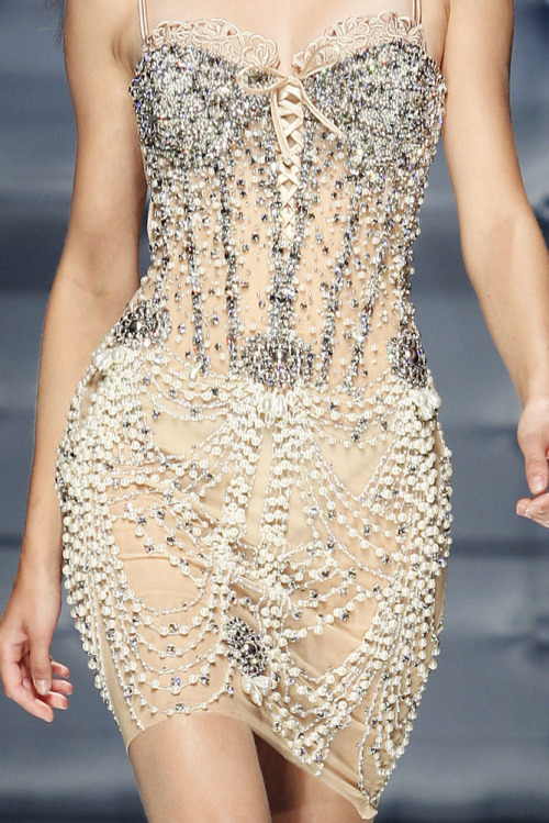 girlannachronism:  Zuhair Murad fall 2010 couture details