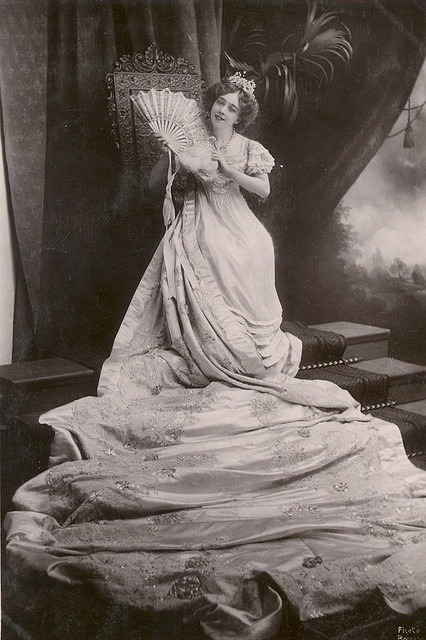 Edwardian stage actress May De Sousa