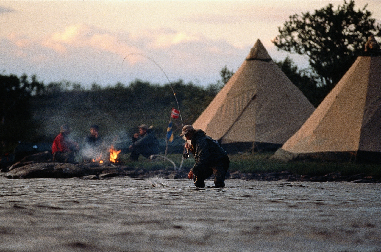 socalhulagirl:  fishing and tee pee tents  = bliss