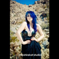 #cheshirekatstudios #bluehair #modeling #photoshoot #joshuatree #work #elle  #tattoo  c: