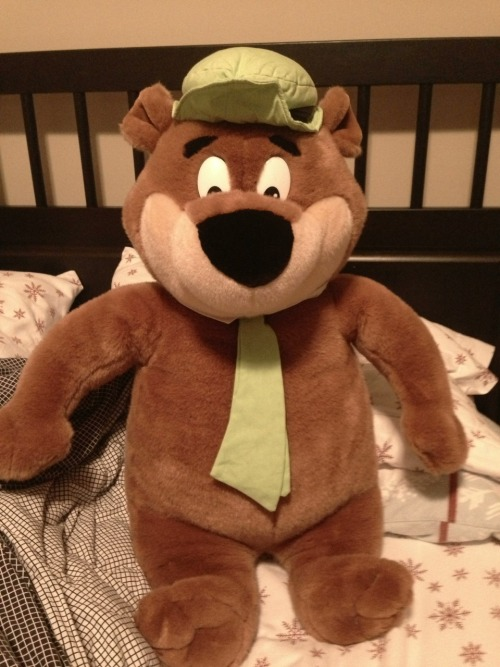 I totally forgot I had this yogi bear from when I was just a little toddler, my grandpa got it for me because it was the first cartoon I ever watched. God I love this thing, it makes me so happy I swear to god.