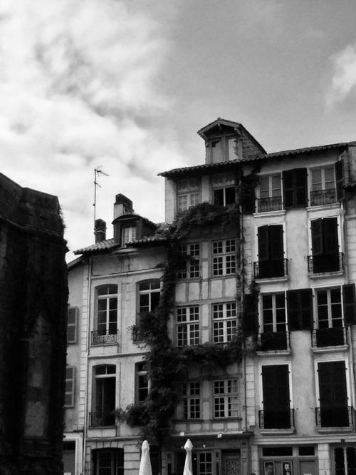 ©chloé bordils #Bayonne#país Vasco#Bayona #noir et blanc #blancoynegro#bw photography#pays basque#chloe bordils