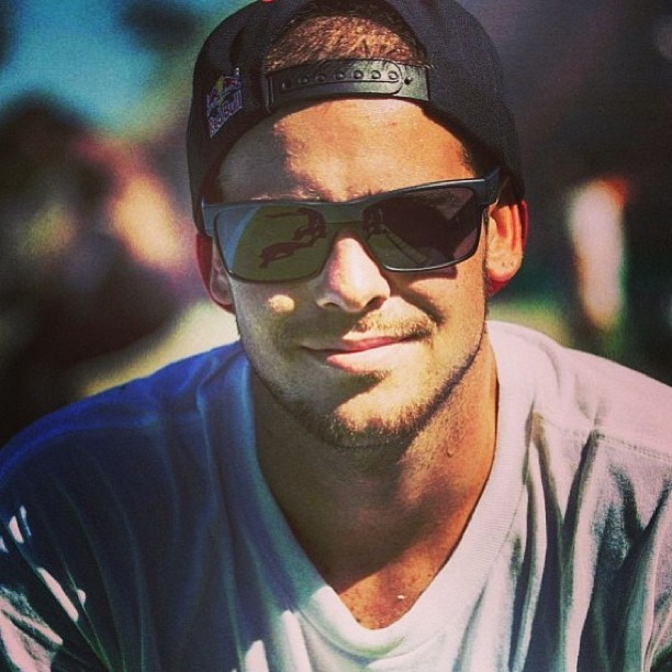 This is for the ladies…. A bit of Ryan Sheckler to wake u up 😍 #whatababe #ryansheckler #skate