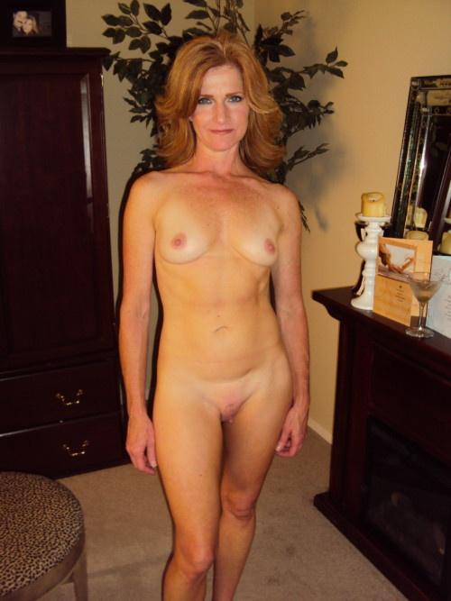 maturemamas:  Images of milfs about to get their pussy fucked