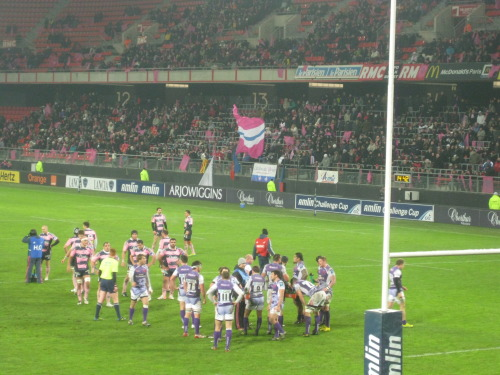 blondylostinfrance:  Stade Francais Paris vs London Welsh! Superrrrr cold night  Yes rugby season is here