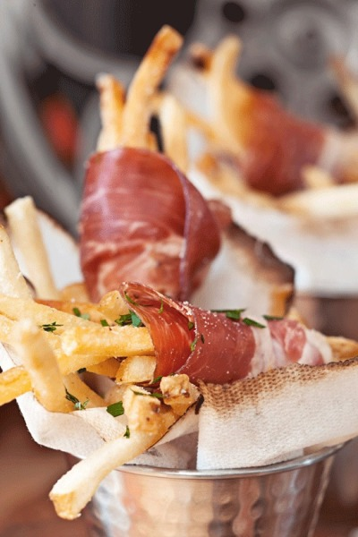 pedanticignoramus:   Prosciutto-Wrapped Truffle Fries  Well hello, gorgeous!