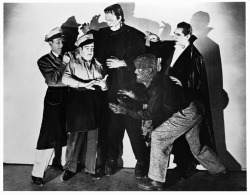 beautyandterrordance:  Abbott and Costello with some special f(r)iends.  They just removed this from Netflix instant… made me very sad… thank goodness i own it!!!