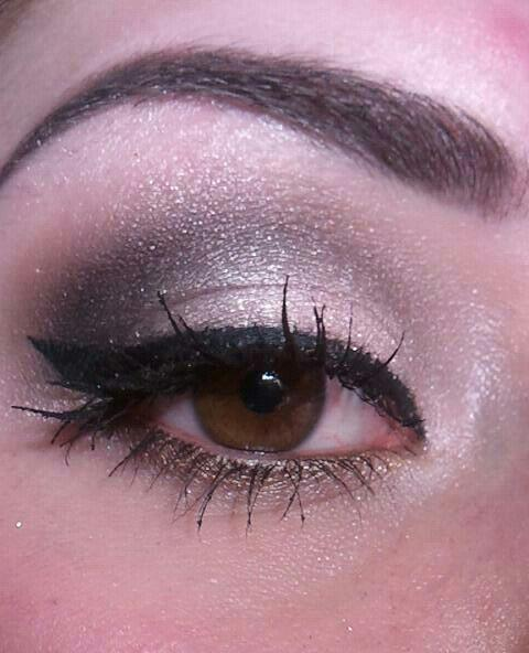 Simple Shimmer.  Makeup look by makeupFTW contributor Marisa. (makeupbymarisa.tumblr.com)