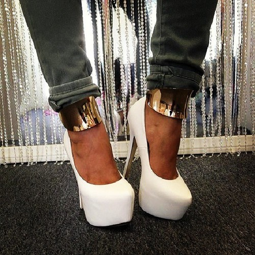 Heels | via Tumblr on We Heart It - http://weheartit.com/entry/61598867/via/amal_photographer   Hearted from: http://jacquelynpauliksiteuh.tumblr.com/post/50556994768/white-gold-fashion-highheels-tacos