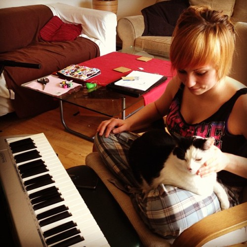 Ana and Cloud! Songwriting team! <3