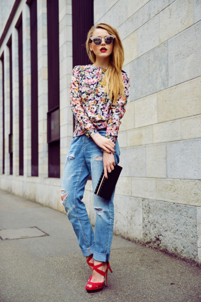 the-royal-treatment:  one-street-styles:  pretaportre:  Kristina Bazan [Kayture] in a Zara shirt, H&M pants, DSquared sunnies, and Jimmy Choo shoes and clutch.  one-street-styles streetstyle and 1Direction here!  the-royal-treatment