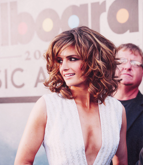 Stana Katic - Billboard Music Awards red carpet.