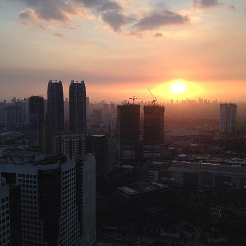 phoshodoe:  Good morning, Manila. #tbt #Philippines