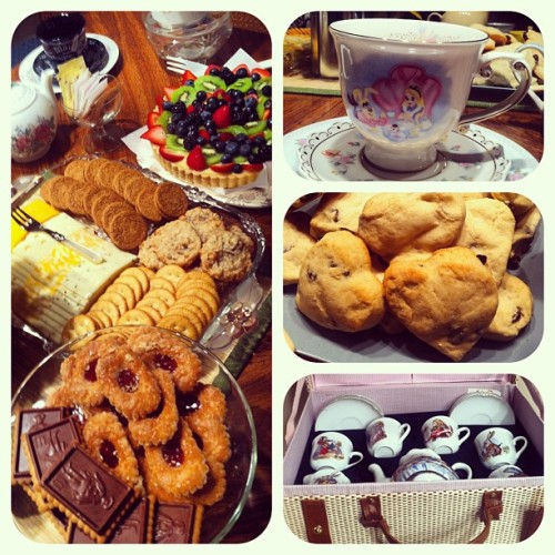 More shots from the #teaparty! Including delicious heart shaped #scones and a fruit #tart! And of course there were many #aliceinwonderland themed items :) So much fun!!