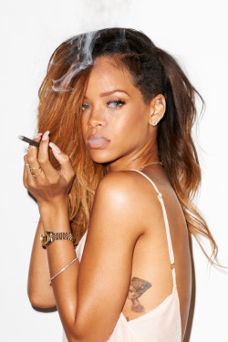 terrysdiary:  Rihanna at my studio #13
