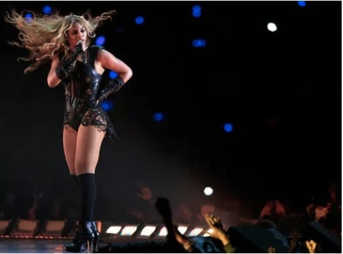 Beyonce clearly dominated her Super Bowl halftime performance, and celebrities took to Twitter to tweet about their thoughts! Click the pic to read the best!