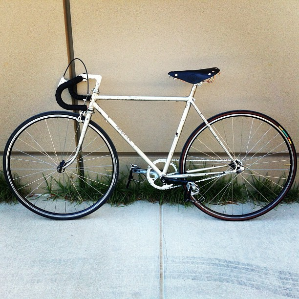 Well look who's back #fixie #fixedgear #motobecane #bicycle #bike #cycle #france #french #cardiff #bronze #leather #continental #tires #germany #german #faltbar #college #ride #pedalanddestroy #pedalordie #cruise #specialized #finished #done #todo #instagood #instamood #instadaily #bikemonth #igers #iphone #iphoneonly #summer #norcal #cali #california #travel #roadtrip  (at The WELL at Sac State)