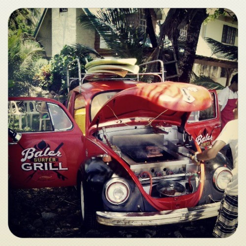 We had lunch to this awesome Baler Surfer Grille. #summer #surf #baler #sunburn  (at sabang beach)