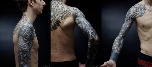 thestarlighthotel:  Dotwork sleeves, chest, and back | Nazareno Tubaro I know I've posted some photos of this before, but it's too freaking gorgeous to not post again.