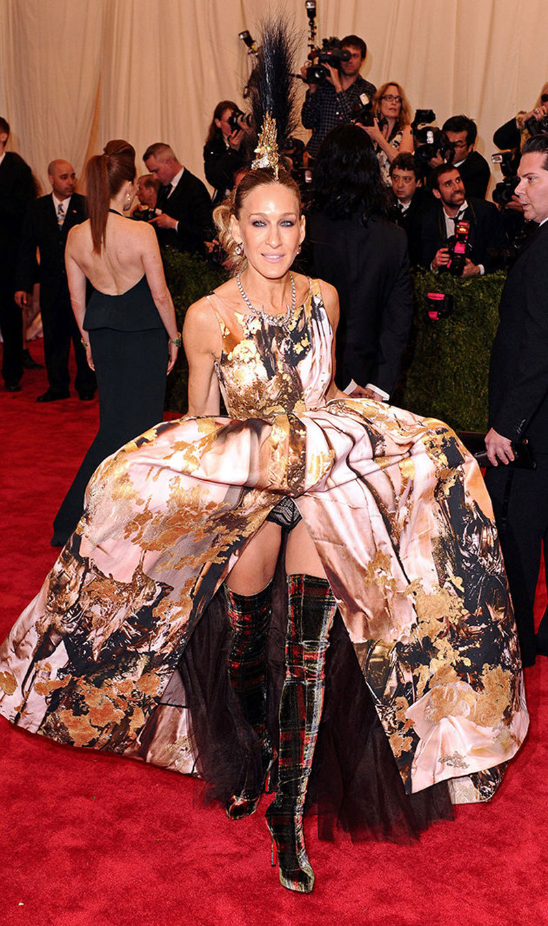 did sarah jessica parker mean to show her boots AND THONG?