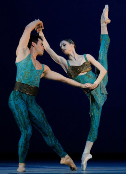 "danseurprincipal:  Maria Kochetkova and Joan Boada in Christopher Wheeldon's ""Within the Golden Hour"""