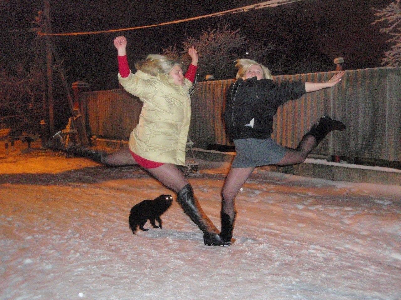 Пьяная девочка раздвинула ноги 10 фотография