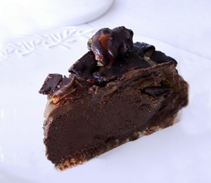 findvegan:  Raw Food Dessert:Turtle Pie  Food porn