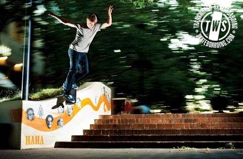 radsimi:  Alex Olson- Backside Smith Grind.