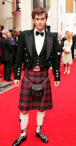 briannacherrygarcia:  momolady:  Kilt appreciation post.  Sean Connery, Bruce Campbell, David Tennent, John Barrowman, Alan Rickman, Gerard Butler, Ewan McGregor, Kyle MacLachlan, Rory McCann  Reblogging because kilts are awesome. BUT BRUCE CAMPBELL AKJSAKSFKAG
