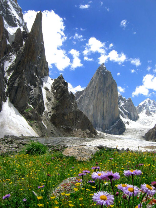 visitheworld:  Nature with a difference, Karakorum Mountains, Pakistan (by Savera).