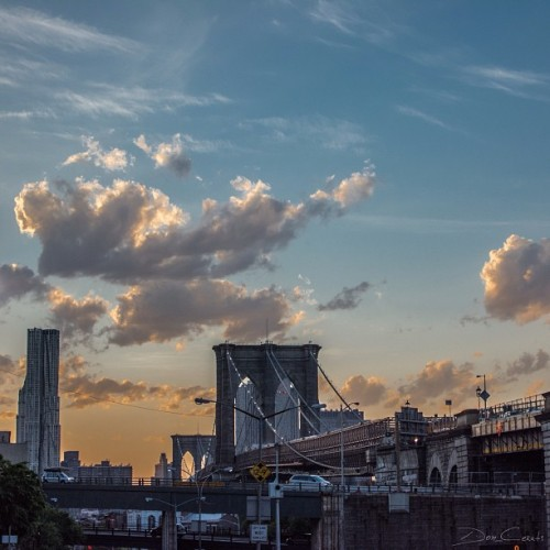doncerati:  #Sunset over the #BrooklynBridge as I walk on Old Fulton St, the border line between #BrooklynHeights and #DUMBO. #Brooklyn, #NYC - 5/16/2013 (at Brooklyn Heights)