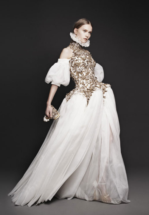 pinerosolanno:  Alexander McQueen F/W 13.14 Lookbook