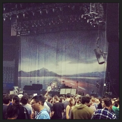 Waiting on The Killers. Los Angeles Memorial Sports Arena