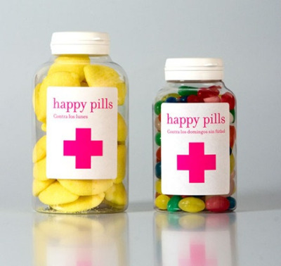 Happy Pills - Sweet shop in Barcelona All forms of packaging in medication-like formats. Pill boxes, bottles etc.  Fun & engaging method instead of paper bags!