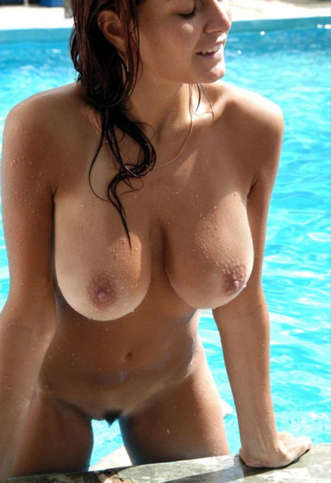 Sexy Nude Wet Woman