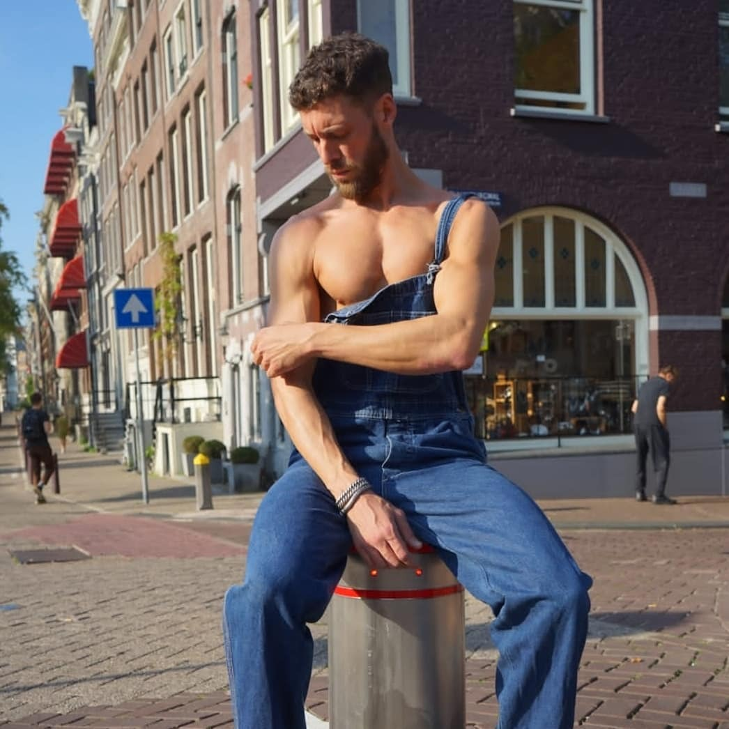 internet finds   If you'd like this project to continue you can use the Paypal donation button on the web page of the blog. Any donation is welcome. #overalls#dungarees#cute#cute guy#cool#cool look#hot#hot guy#beard#one strap#strap down#baggy#baggy overalls