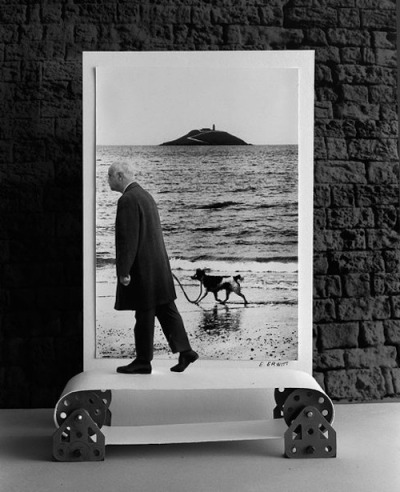 blue-voids:  Gilbert Garcin - Eliott's Dog (after Eliott Erwitt), 1995