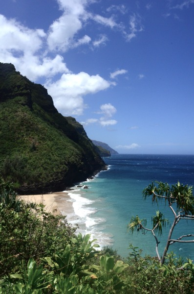 oldxscars:  Hawaii is pretty neat #2. Looking towards Hanakapiai Beach along the Napali Coast.