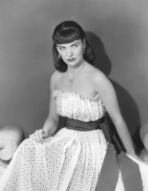 retrogirly:  Ella Raines